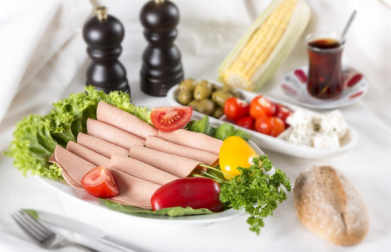 Salam is een Turkse kookworst. Deze worst wordt o.a. gemaakt van rund-, kip- of kalkoengehakt.